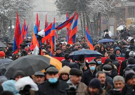 Лидер оппозиции Вазген Манукян: Армения должна кипеть