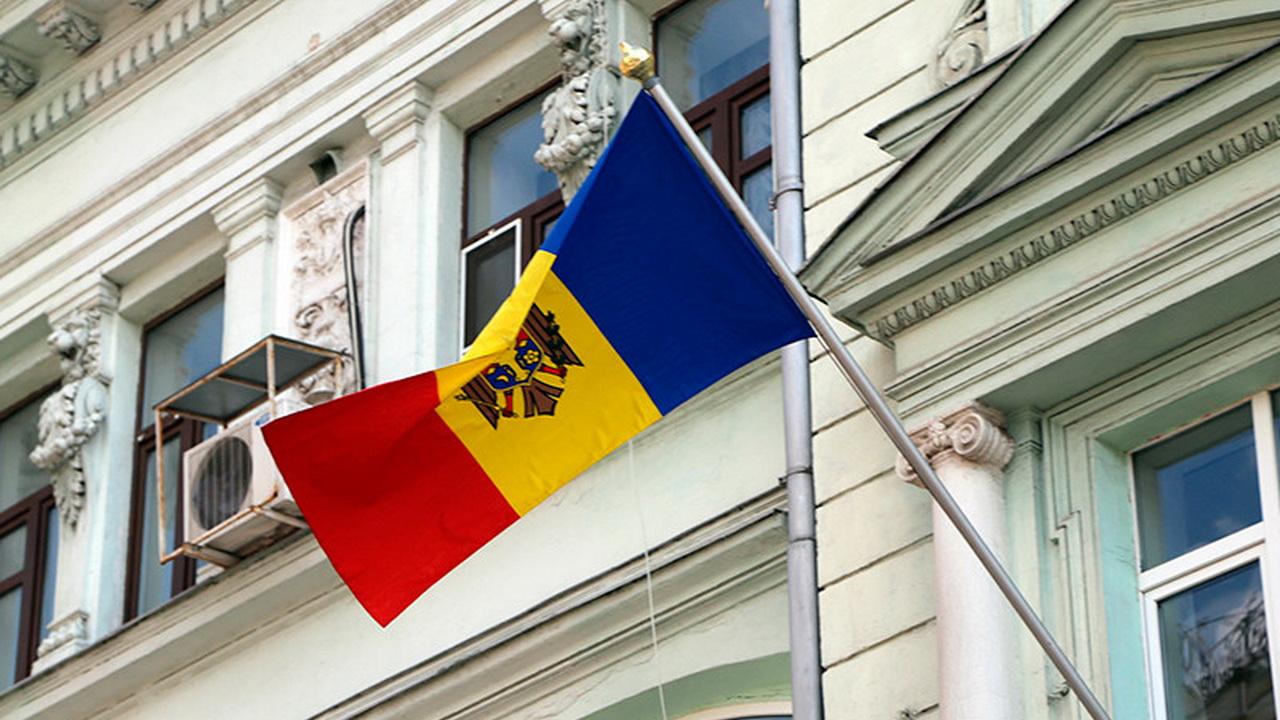 Молдавские дипломаты получили новые автомобили