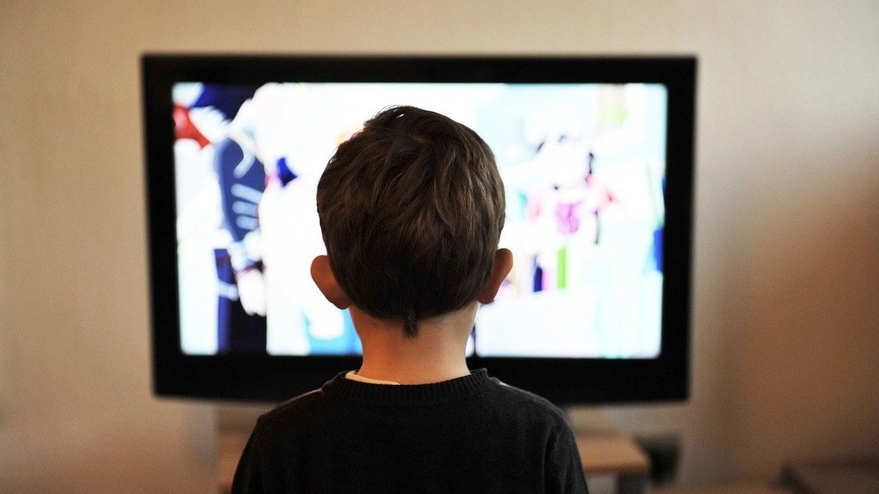 В Бендерах на  ребёнка упал телевизор