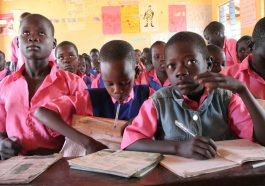 В Африке учителям не платят